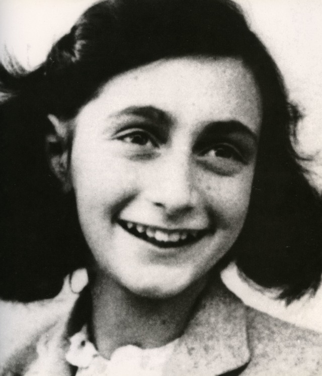 anne-frank-1929-1945-jewish-ditch-holocaust-victim-1