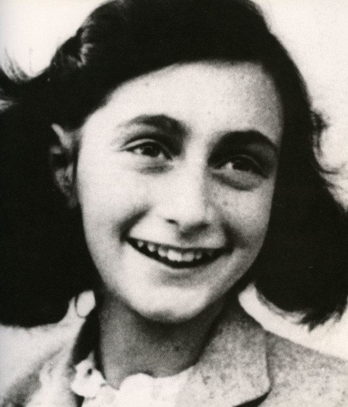 anne-frank-1929-1945-jewish-ditch-holocaust-victim-1